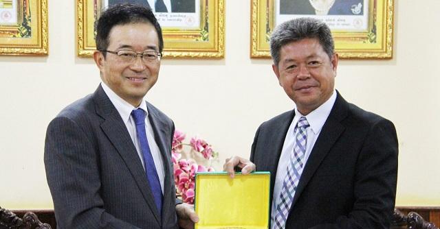Sihanouk-Govenor-and-Japanese-Ambassador.jpg